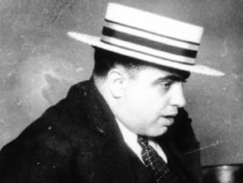 386fe68b4381e There are several photos of Al Capone wearing a stylish boater. In the 20 s  and 30 s